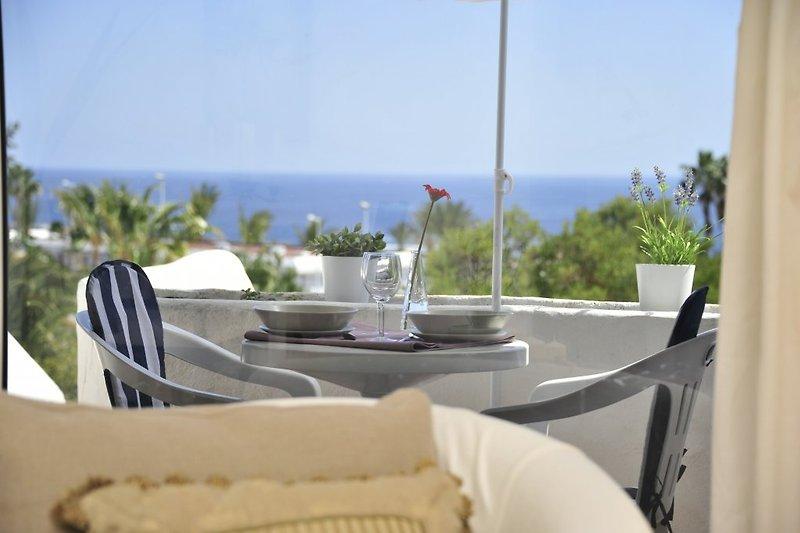 Balkon , Terrasse mit Meerblick