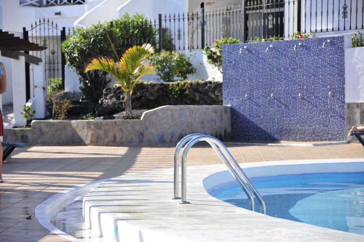 Apartamento las vistas meeblick ferienwohnung in puerto - Gartenanlage mit pool ...