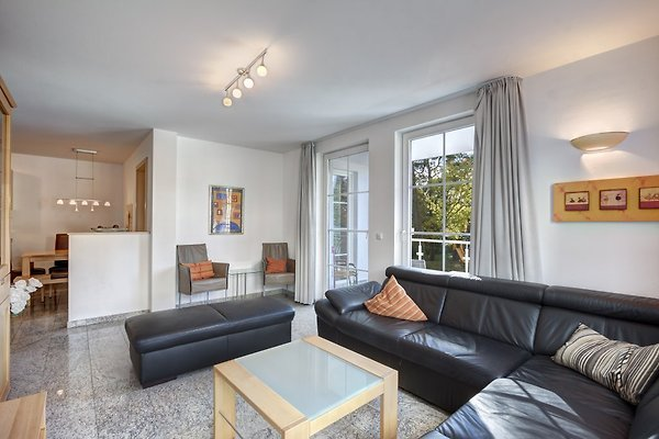 ostseeresidenz gorkipark ferienwohnung in heringsdorf mieten. Black Bedroom Furniture Sets. Home Design Ideas