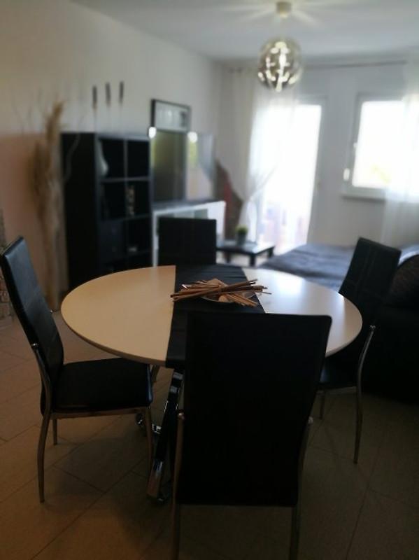 stan Rosso - apartman za odmor u Stinjan unajmiti
