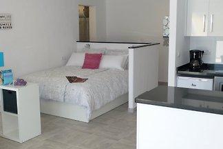 Moderne-Einraum-Wohnung