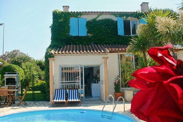 Villa de los Ángeles en Montpellier - imágen 1
