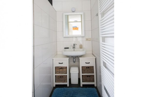 maritim brouwershaven ferienhaus in brouwershaven mieten. Black Bedroom Furniture Sets. Home Design Ideas