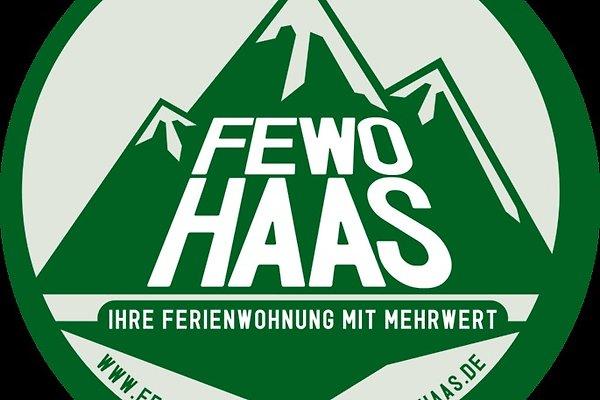 "<span style=""font-size:smaller;"">Compañía Ferienwohnung Haas</span><br> Familia Haas"