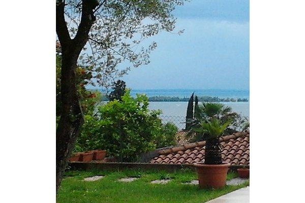 geräumige Wohnung mit Seeblick in Gardone Riviera - Bild 1