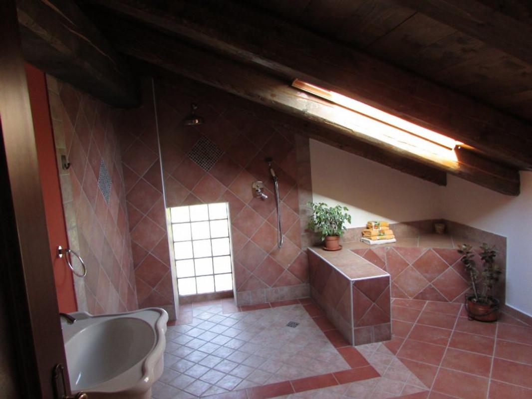 casa bella verde ferienhaus in dogliani mieten. Black Bedroom Furniture Sets. Home Design Ideas