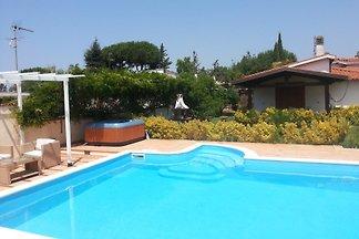 Villa piscine et jacuzzi 1300 € settiman