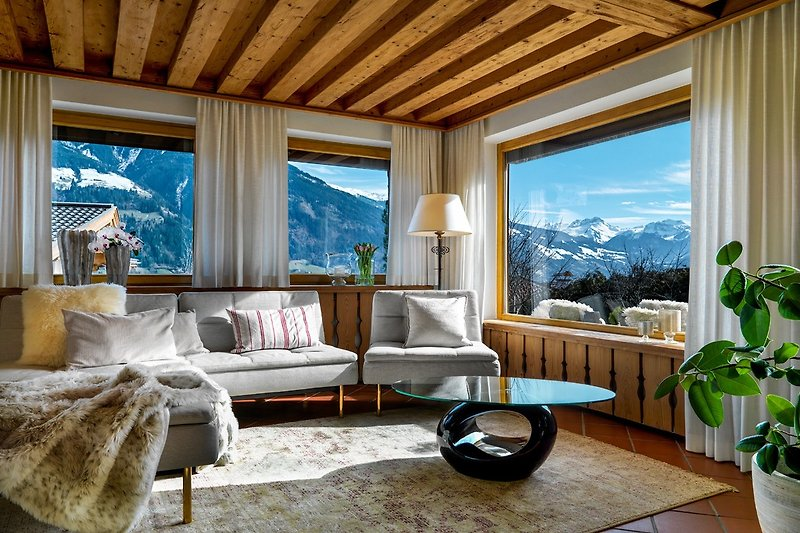 grandioser Ausblick auf die Zillertaler Bergwelt