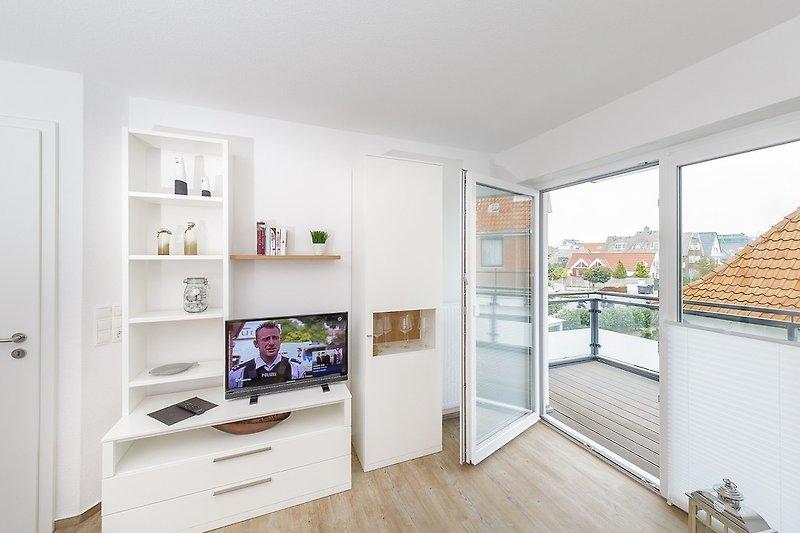 Moderne Ausstattung und Balkon