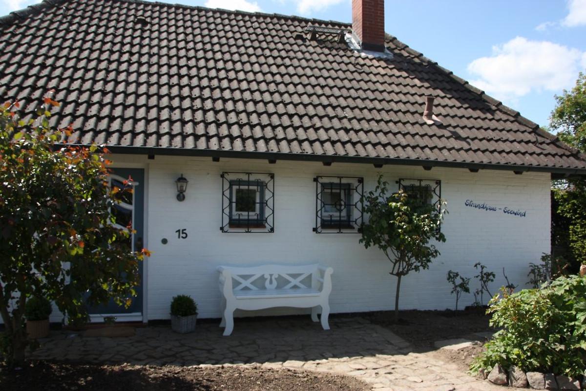 strandhaus seewind ferienhaus in schwedeneck mieten. Black Bedroom Furniture Sets. Home Design Ideas