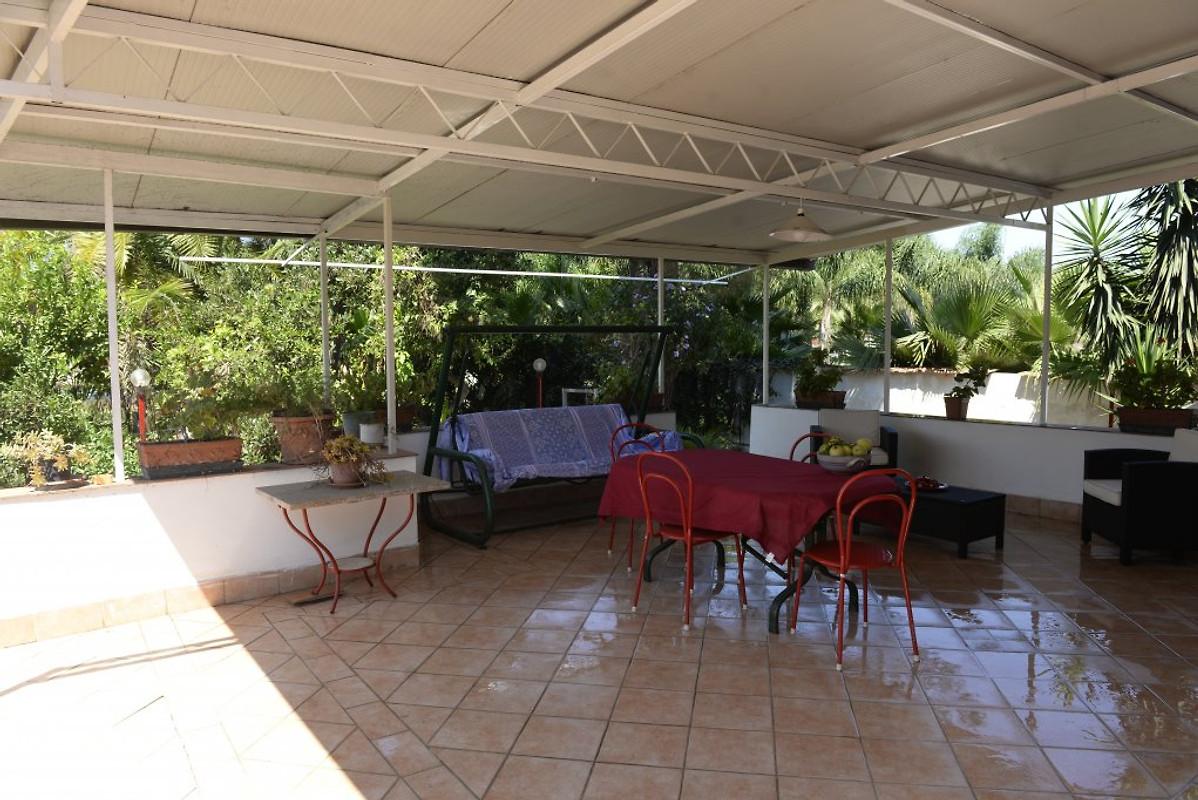 Villa rita casa vacanze in mascali affittare for Piani patio gratuiti