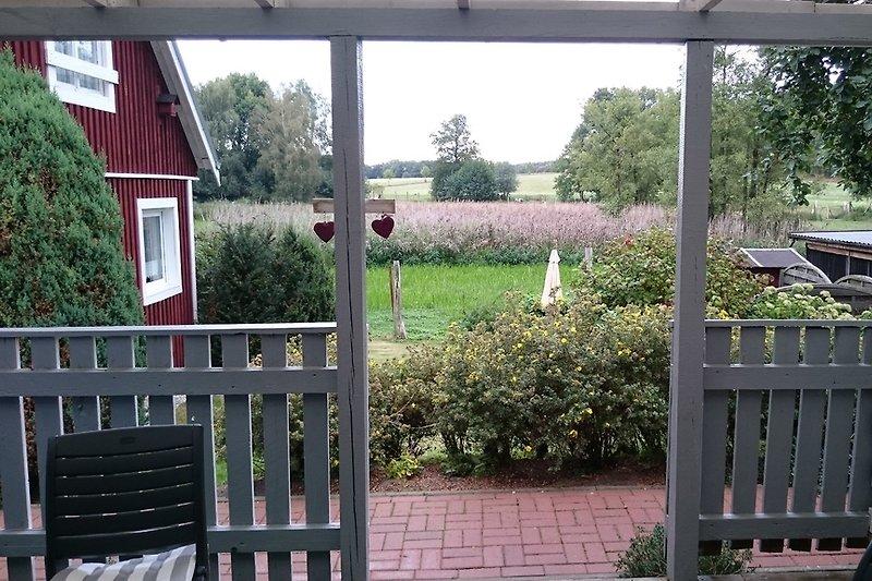 Blick von Ihrer Terrasse, welche auch der Eingang ist
