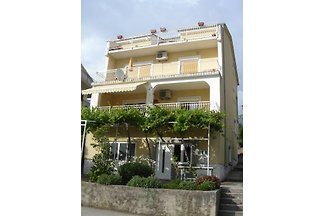 Very good accommodation with a beautiful large terrace