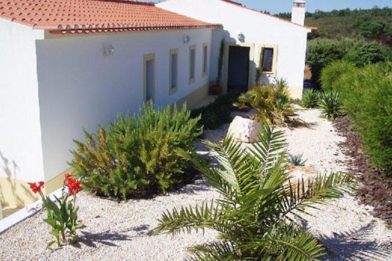 Großzügiges Haus mit Garten