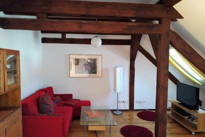 Wohnzimmer mit Internet-TV