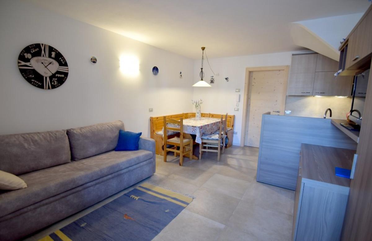 Lavendel vakantiehuis in cavalese huren - Kitchenette met stoelen ...