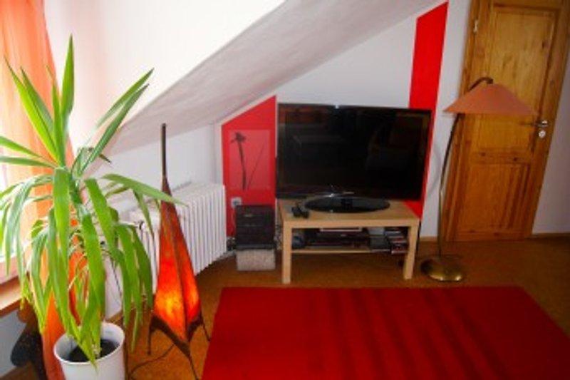 Wohnbereich mit großem LCD TV