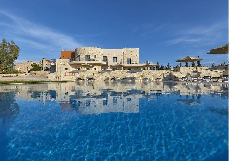 Orelia Cretan Deluxe Apartments - Der 78 qm Süsswasserpool