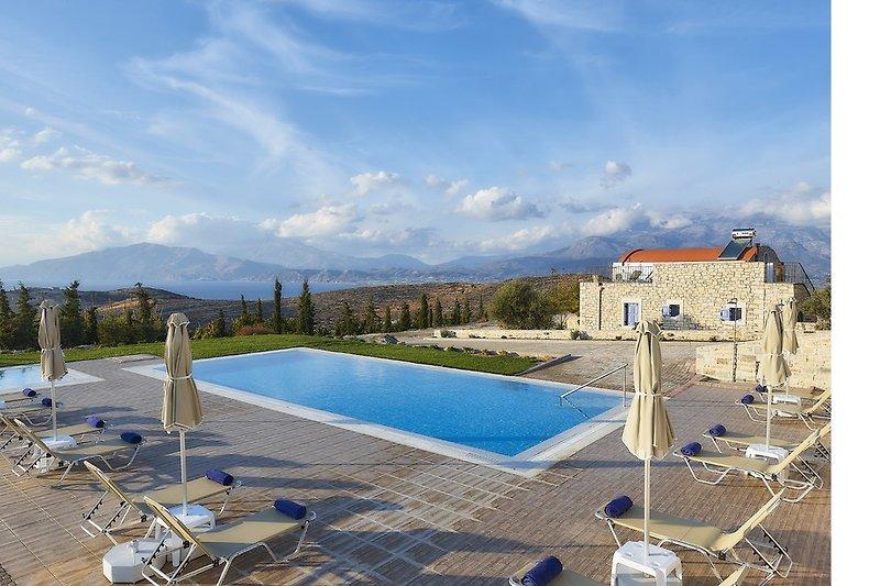 Orelia Cretan Villas - Der 78 qm Süsswasserpool