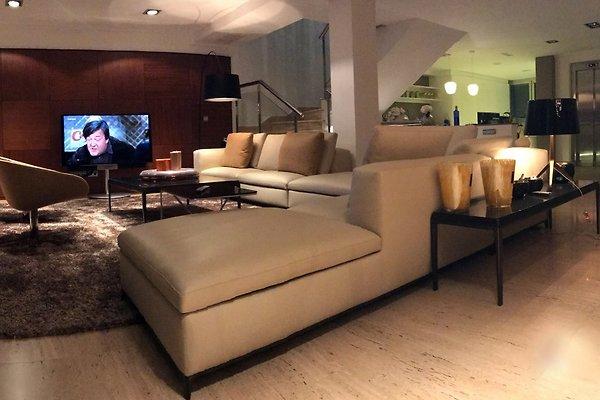 ihr luxuri ses zuhause am meer ferienhaus in alicante mieten. Black Bedroom Furniture Sets. Home Design Ideas