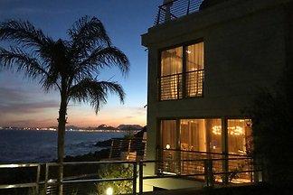 Su casa de lujo cerca del mar