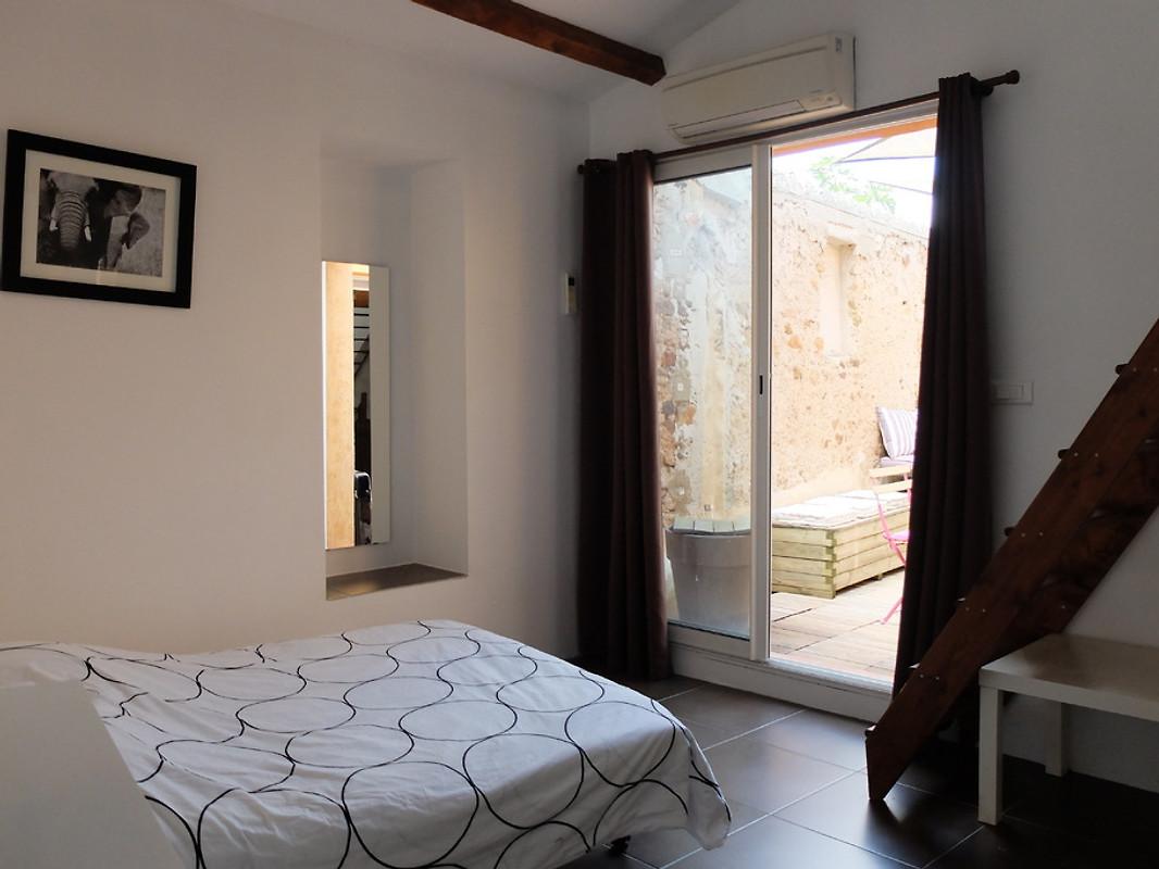 la mangeoire ferienhaus in boutenac mieten. Black Bedroom Furniture Sets. Home Design Ideas