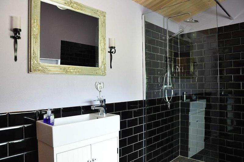 Duschbereich der Hexensauna