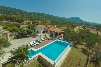 Villa Jure
