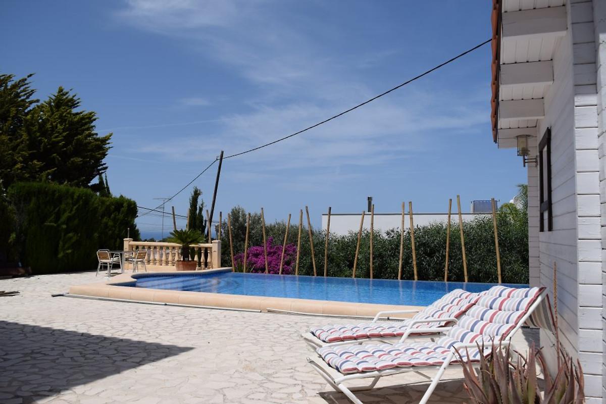 Neuzugang villa bambu mit meerblick ferienhaus in denia for Schwimmpool preise