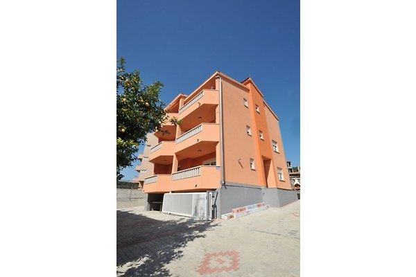 Villa Lastro - Apart. 1 in Okrug Gornji - Bild 1