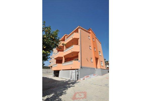 Villa Lastro - Apartment 2 in Okrug Gornji - picture 1