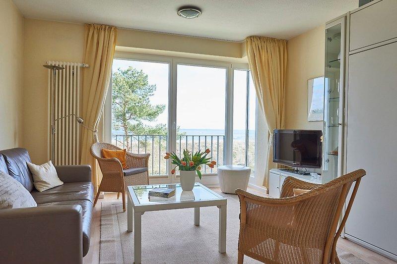 Wohnzimmer mit direktem Meerblick