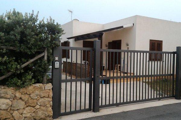 villa marsala biscione ferienhaus in marsala mieten. Black Bedroom Furniture Sets. Home Design Ideas