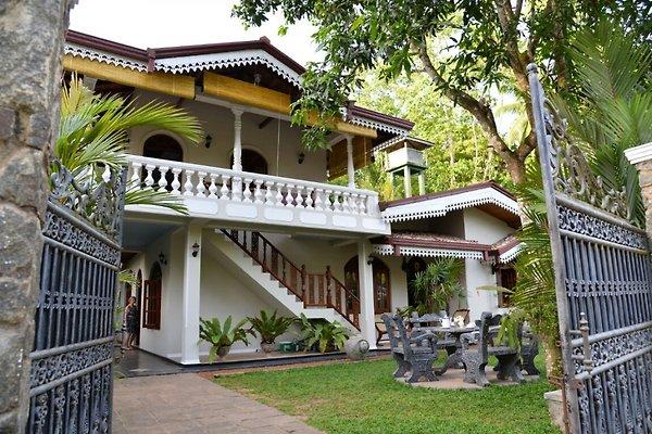 Villa Frontansicht