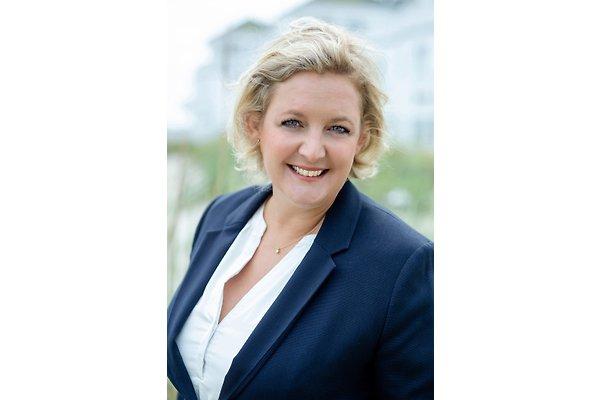 Frau S. Hössermann