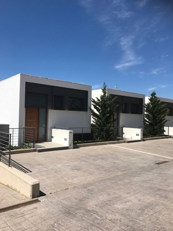 Modernes haus casas blancas ferienhaus in porto cristo for Modernes haus eingang