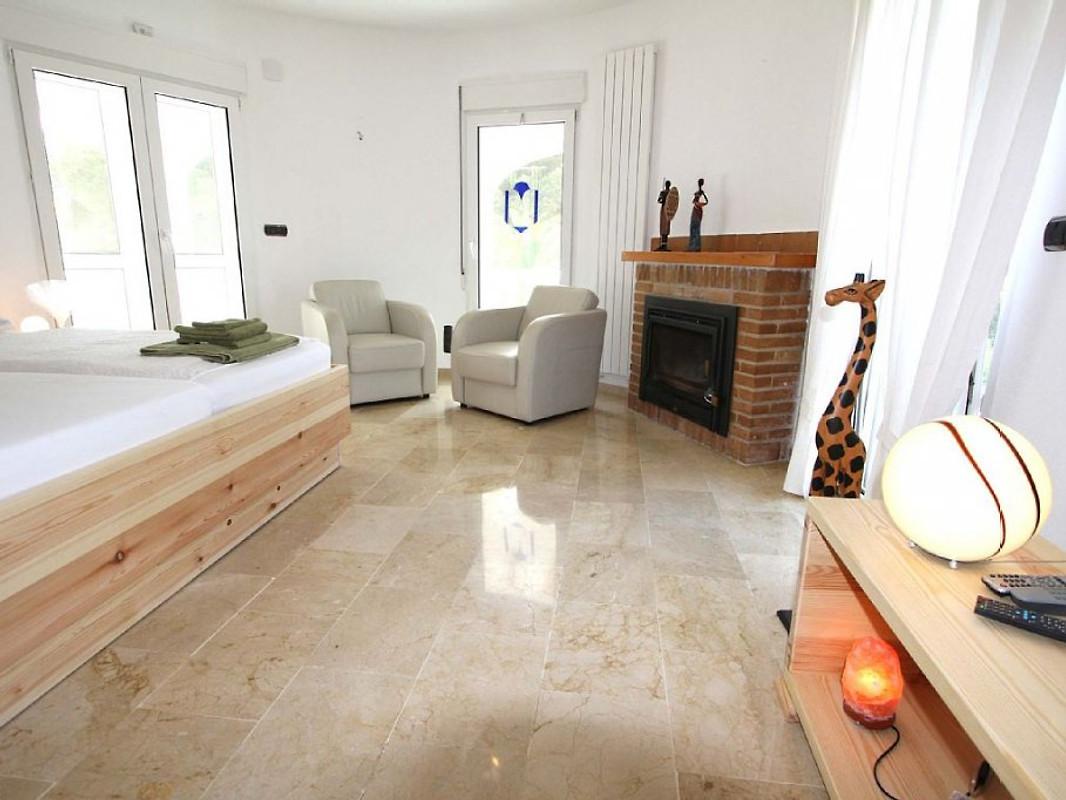 villa tres palmeras ferienhaus in moraira mieten. Black Bedroom Furniture Sets. Home Design Ideas