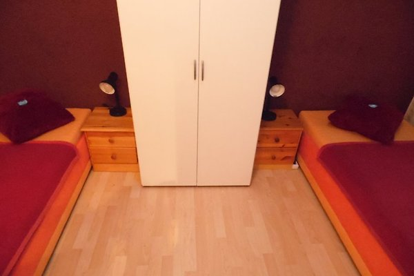 huren sch nefeld. Black Bedroom Furniture Sets. Home Design Ideas