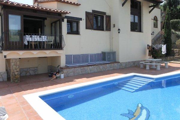 Villa don camillo holiday home in calonge for Camillo homes