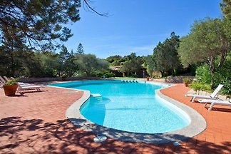 Kristall-Villa mit eigenem Pool