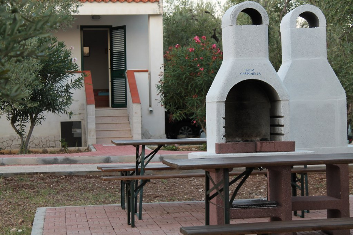 villa urlaub meer 2 6 pl tze ferienhaus in vieste mieten. Black Bedroom Furniture Sets. Home Design Ideas