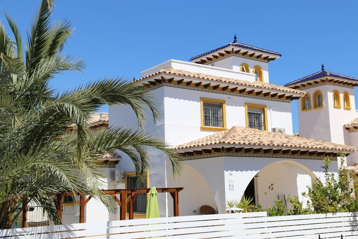 El pinet alicante cerca de la playa casa de vacaciones en la marina - Casas de vacaciones en alicante ...