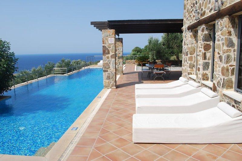 Villa Ariadni-Best Value-Luxury in Kissamos - immagine 2