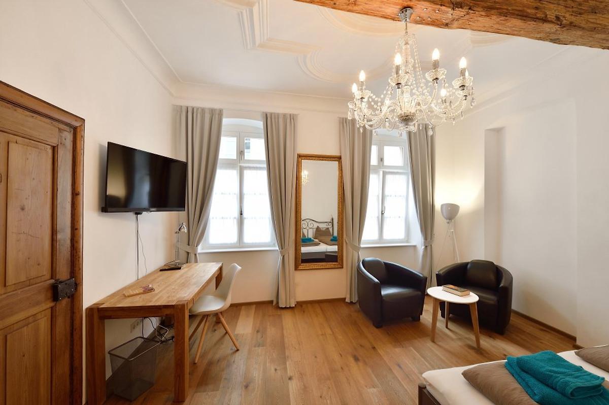 bel etage in heidelbergs altstadt ferienwohnung in heidelberg mieten. Black Bedroom Furniture Sets. Home Design Ideas