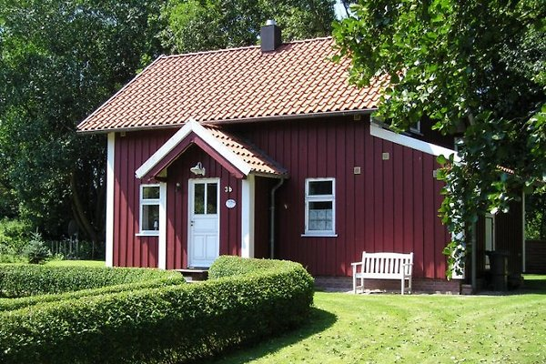 Rotes Sommerhaus