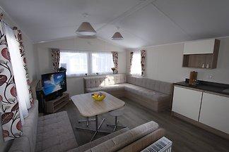 Wir bieten gemütliche Chalets/ Mobilheime für bis zu sechs Personen direkt an der Ostsee auf dem Natur-/Ostseecampingplatz Gut Oehe.