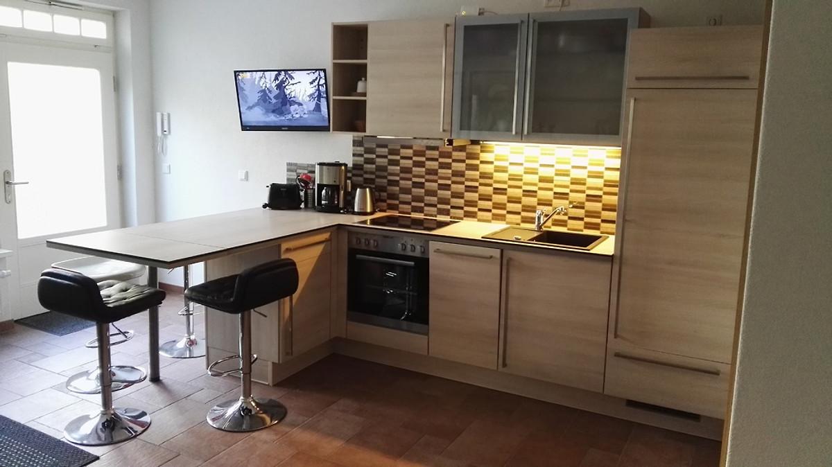 sch ne gartenwohnung zentrumsnah ferienwohnung in dresden mieten. Black Bedroom Furniture Sets. Home Design Ideas