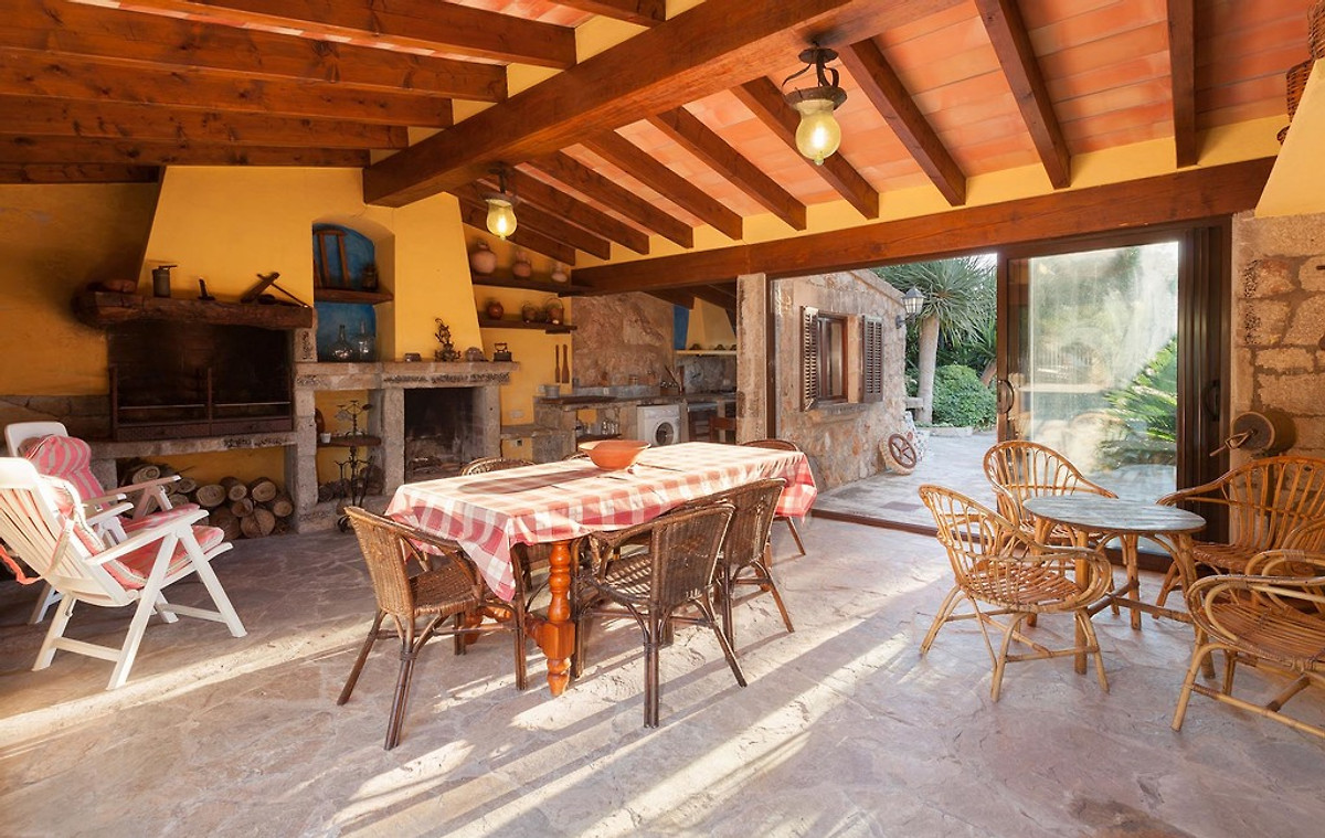 Moderne Sommerküchen : Moderne villa mit pool und ausblick in pollença firma contacto