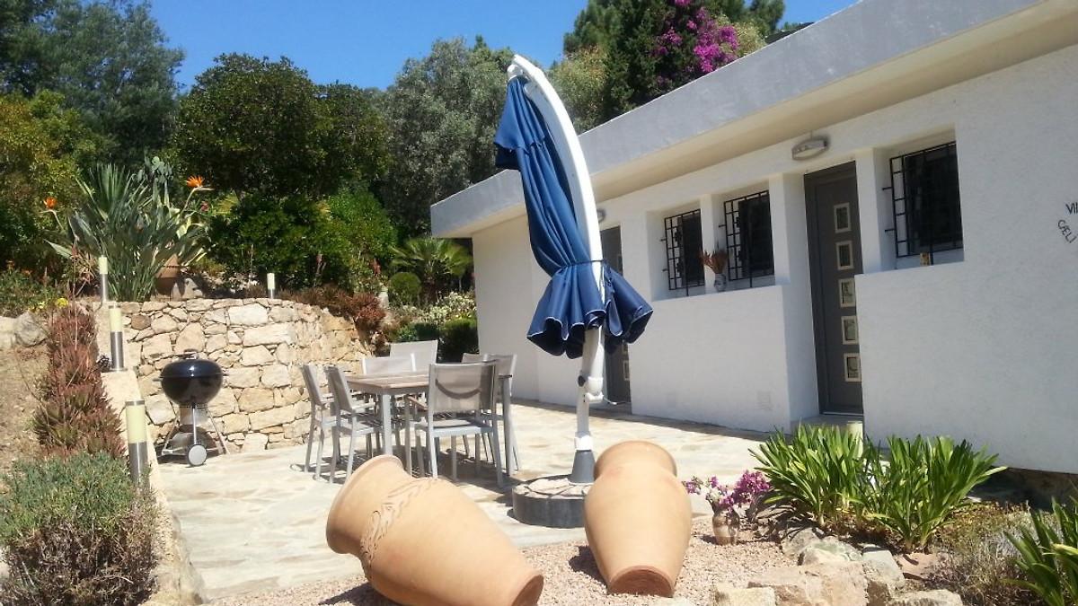 Villa n 30 casa vacanze in sagone affittare for Casa con 2 camere da letto con seminterrato finito in affitto