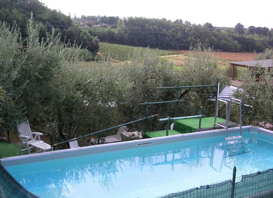 Casa lucia ferienhaus in vinci mieten - Pool salzwasser ...